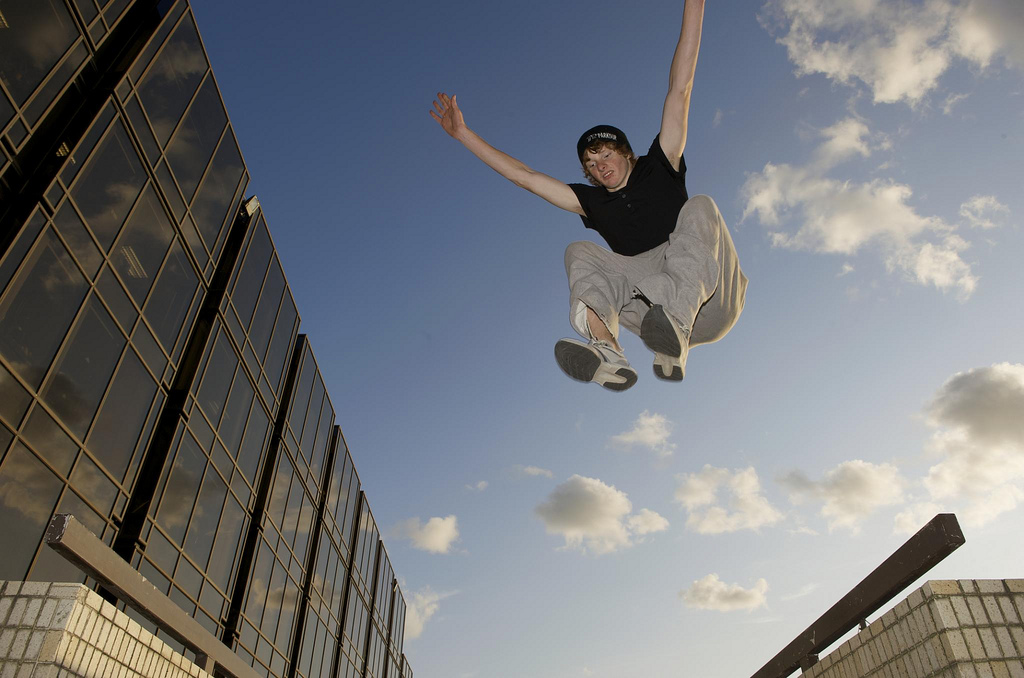 A Definitive Guide to Learn Basic Parkour Moves