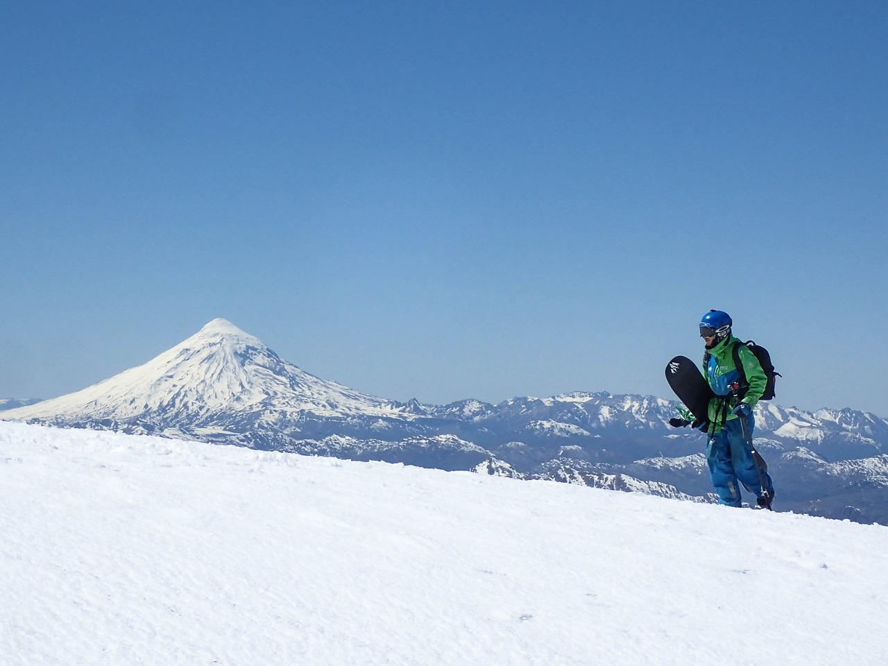 5 Easy-To-Learn But Impressive Ski Tricks | GearJunkie