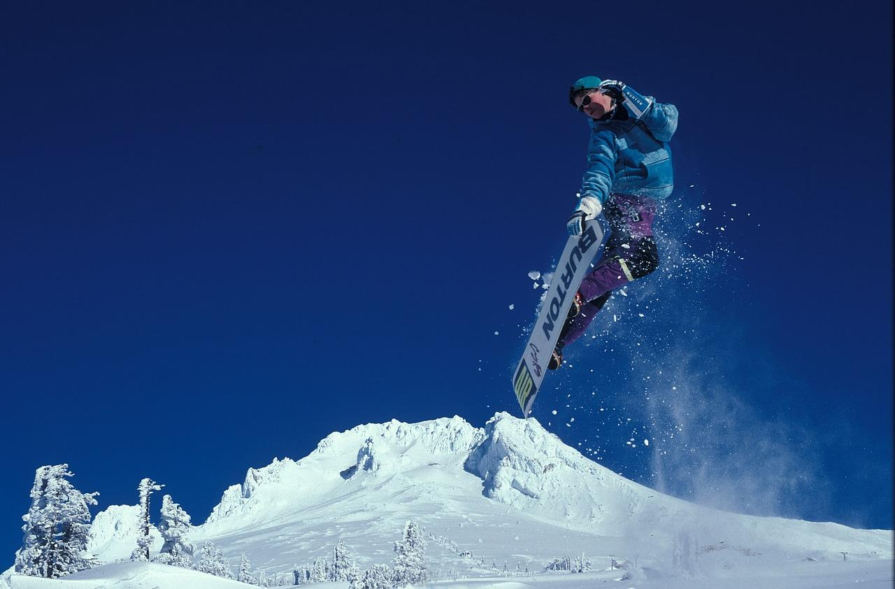 15 Best Beginner Snowboards for 2018 (Buying Guide ...