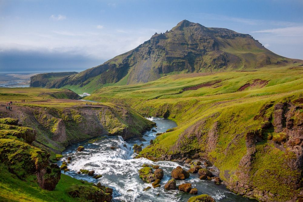 Hiking in Iceland – Trails, Tips & Best Time to Go