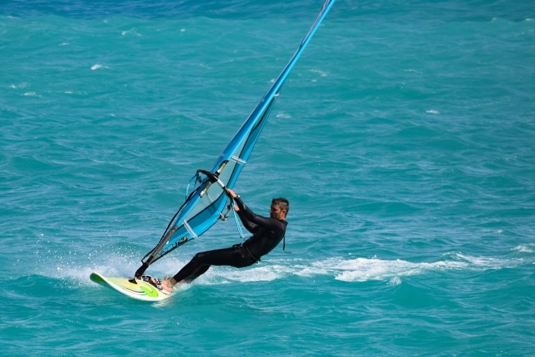 guide to windsurfing